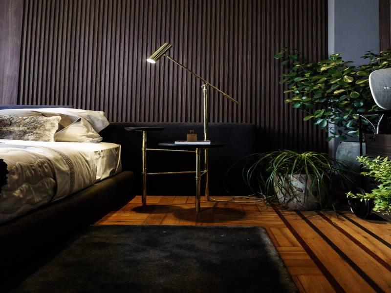 Κρεβατοκάμαρα με αρμονία χρώματος και χαλιού