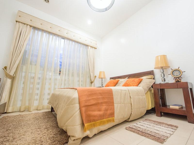 Υπνοδωμάτιο με 2 χαλιά ποιότητας